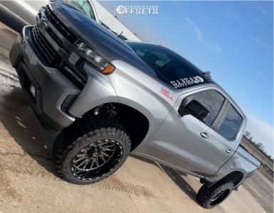 "2020 Chevrolet Silverado 1500 - 22x12 -44mm - TIS 547bm - Suspension Lift 6"" - 35"" x 12.5"""