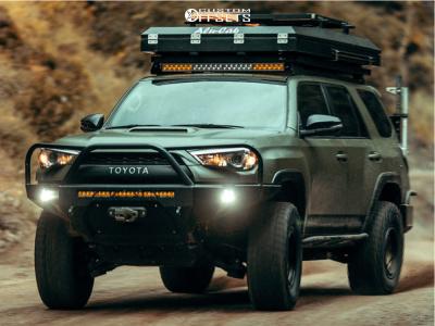 "2018 Toyota 4Runner - 17x8.5 0mm - Fifteen52 Offroad Traverse Hd - Suspension Lift 2.5"" - 295/70R17"