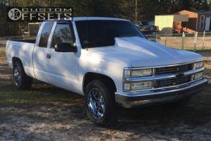 "1997 Chevrolet C1500 - 18x10 -24mm - Moto Metal MO969 - Level 2"" Drop Rear - 285/70R18"