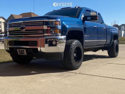 "2016 Chevrolet Silverado 2500 HD - 18x12 -44mm - Moto Metal Mo962 - Air Suspension - 33"" x 12.5"""