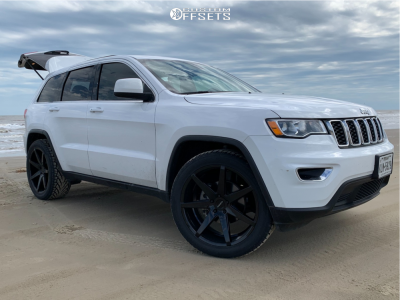 2018 Jeep Grand Cherokee - 22x10 30mm - Ravetti M7 - Stock Suspension - 305/40R22