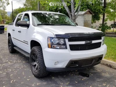 """2012 Chevrolet Avalanche - 22x10 6.35mm - Fuel Beast - Stock Suspension - 33"""" x 10.5"""""""