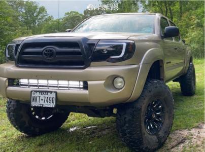 """2008 Toyota Tacoma - 13x7 0mm - Fuel Blitz - Suspension Lift 6"""" - 35"""" x 70"""""""