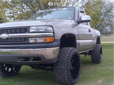 "2000 Chevrolet Silverado 1500 - 22x12 -44mm - Karma Offroad K27 - Suspension Lift 6"" - 33"" x 12.5"""