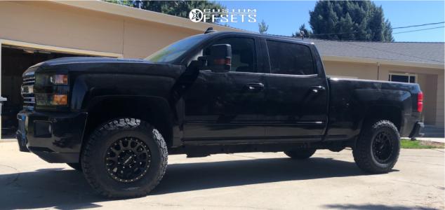 """2017 Chevrolet Silverado 2500 HD - 17x8.5 0mm - Method Mr305 - Level 2"""" Drop Rear - 33"""" x 11.5"""""""