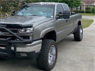 "2006 Chevrolet Silverado 1500 - 20x10 -19mm - Hostile Sprocket - Suspension Lift 4"" - 33"" x 12.5"""