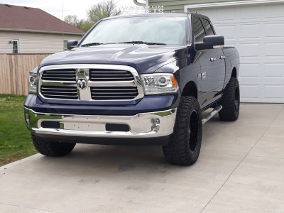 "2018 Ram 1500 - 20x10 -24mm - Moto Metal Mo970 - Suspension Lift 3"" - 35"" x 12.5"""