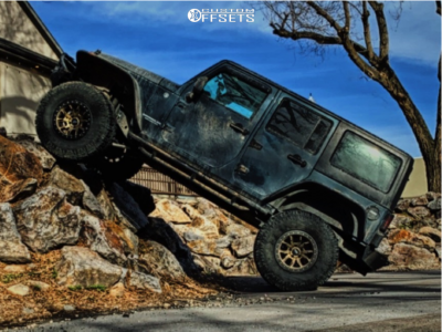 """2007 Jeep Wrangler - 18x9 -12mm - Dirty Life Dt-1 - Suspension Lift 3.5"""" - 37"""" x 12.5"""""""