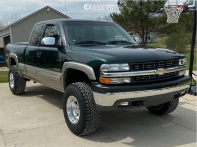 "2002 Chevrolet Silverado 2500 - 16x10 -32mm - Pacer LT - Suspension Lift 3"" - 33"" x 12.5"""