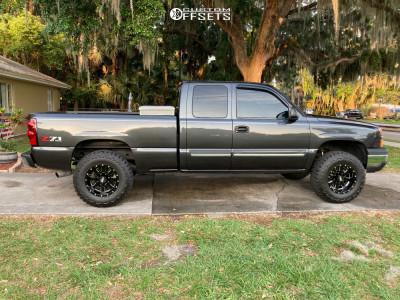 2003 Chevrolet Silverado 1500 - 17x10 -24mm - Moto Metal MO962 - Leveling Kit - 295/70R17