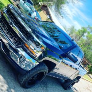 "2019 Chevrolet Silverado 1500 LD - 20x10 -2mm - Fuel Maverick - Leveling Kit - 31"" x 10.5"""