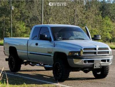 "2001 Dodge Ram 2500 - 20x10 -19mm - Ballistic Rage 959 - Stock Suspension - 33"" x 12.5"""