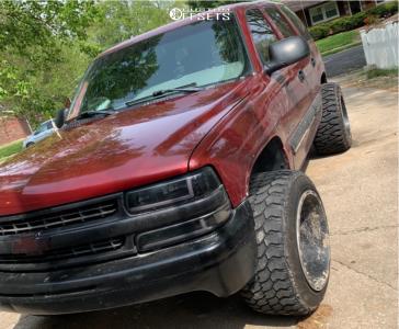 "2002 Chevrolet Tahoe - 20x14 -76mm - XD Riot - Stock Suspension - 33"" x 15.5"""