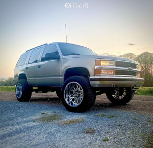 "1999 Chevrolet Tahoe - 20x12 -0mm - Vision Rocker - Stock Suspension - 33"" x 12.5"""