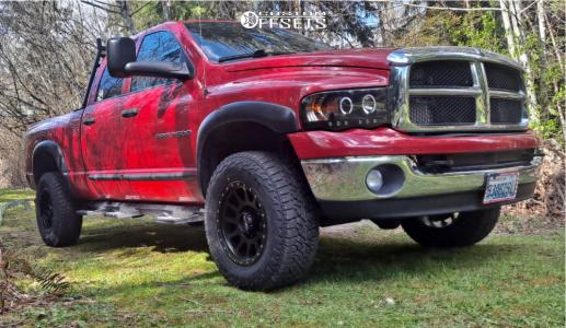 2005 Dodge Ram 2500 - 18x9 -12mm - Method Mr305 - Stock Suspension - 265/70R18