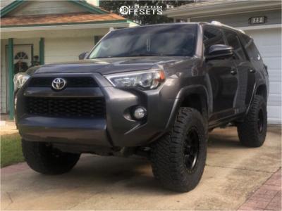 "2015 Toyota 4Runner - 17x8.5 0mm - Method Mr305 - Suspension Lift 3"" - 33"" x 12.5"""