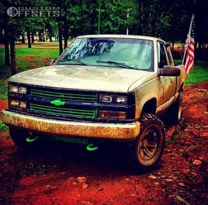 "1998 Chevrolet K1500 - 15x8 -13mm - Tuff T01 - Body Lift 3"" - 33"" x 12.5"""
