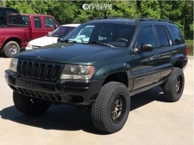 "2000 Jeep Grand Cherokee - 17x9 -12mm - Ultra Prowler Jeep - Suspension Lift 4"" - 32"" x 12.5"""