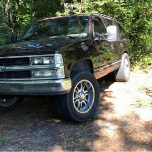 "1996 Chevrolet Tahoe - 20x10 -0mm - Moto Metal Other - Stock Suspension - 35"" x 10.5"""