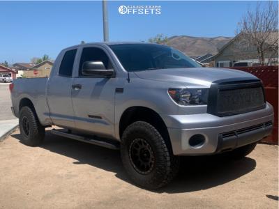 "2010 Toyota Tundra - 17x8.5 -0mm - Method Mr305 - Leveling Kit - 35"" x 11.5"""