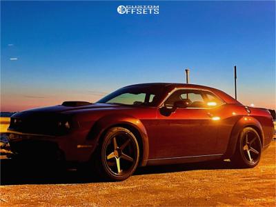 2018 Dodge Challenger - 20x10.5 20mm - Ferrada Fr3 - Stock Suspension - 275/45R20