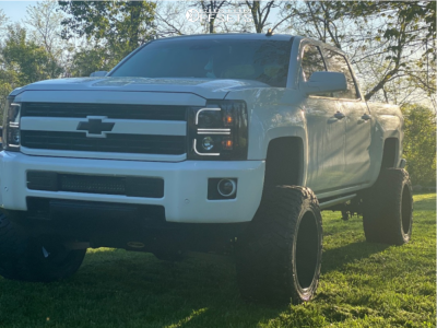 "2014 Chevrolet Silverado 1500 - 22x14 -70mm - Fuel Renegade - Suspension Lift 6"" & Body 3"" - 375/45R22"