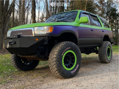 "1998 Toyota 4Runner - 17x9 -38mm - Method Mr105 - Suspension Lift 6.5"" - 35"" x 12.5"""