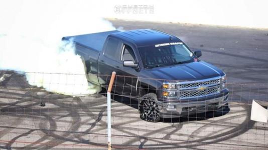 2014 Chevrolet Silverado 1500 - 22x12 -44mm - TIS 544mb - Stock Suspension - 265/35R22