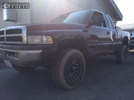 2000 Dodge Ram 1500 - 17x9 20mm - Raceline Clutch - Stock Suspension - 285/70R17