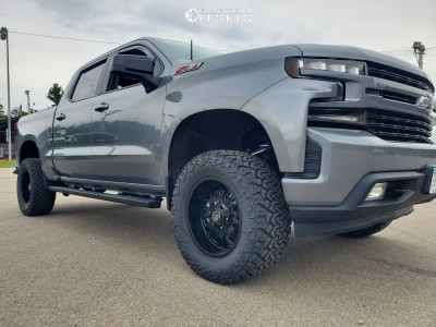 """2020 Chevrolet Silverado 1500 - 18x9 -12mm - Panther Offroad 580 - Suspension Lift 4"""" - 33"""" x 12.5"""""""