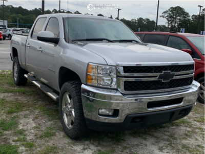 "2011 Chevrolet Silverado 2500 HD - 22x12 -44mm - Hostile Switch Blade - Stock Suspension - 35"" x 12.5"""