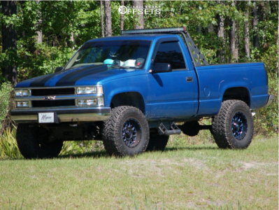 "1997 Chevrolet K1500 - 17x9 -12mm - XD Grenade - Suspension Lift 6"" - 35"" x 12.5"""