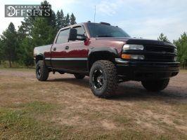 2001 Chevrolet Silverado 1500 HD - 16x9 -12mm - Moto Metal MO951 - Leveling Kit - 285/75R16