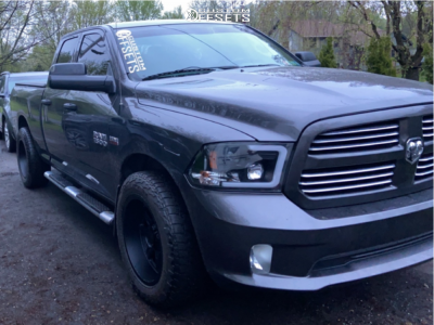 "2015 Ram 1500 - 20x10 -25mm - Ultra Menace - Stock Suspension - 33"" x 12.5"""