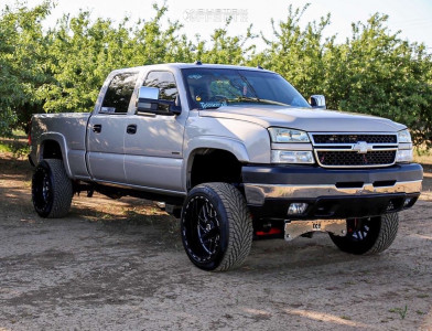 "2005 Chevrolet Silverado 2500 HD - 22x12 -44mm - TIS 544bm - Leveling Kit - 32"" x 12.5"""
