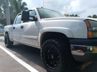 "2005 Chevrolet Silverado 1500 - 18x10 -24mm - Moto Metal Mo962 - Leveling Kit - 33"" x 12.5"""