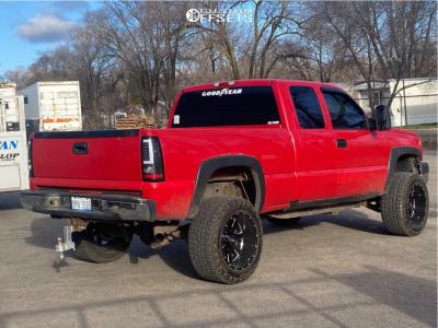 "2005 Chevrolet Silverado 2500 HD - 20x12 -44mm - Moto Metal 962 - Suspension Lift 3"" - 33"" x 12.5"""