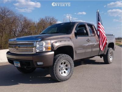 "2007 Chevrolet Silverado 1500 - 17x9 -6mm - Pro Comp  - Suspension Lift 3.5"" - 285/70R17"