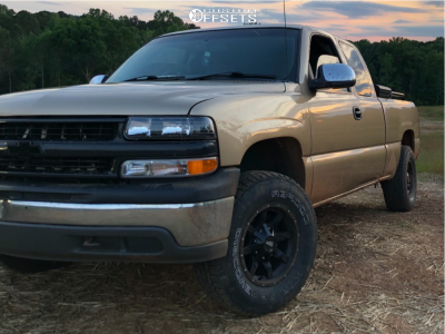 "2001 Chevrolet Silverado 1500 - 16x8 -114.3mm - Moto Metal Mo970 - Suspension Lift 3"" - 265/70R16"