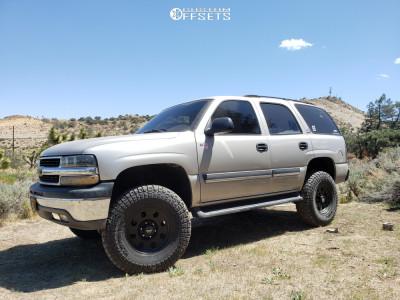 "2005 Chevrolet Tahoe - 17x8 0mm - American Racing 172 - Stock Suspension - 35"" x 10.5"""