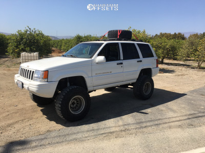 """1997 Jeep Grand Cherokee - 15x11.5 -0mm - American Racing Outlaw - Suspension Lift 7.5"""" - 35"""" x 12.5"""""""