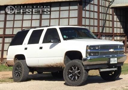 "1996 Chevrolet Tahoe - 17x8 0mm - Moto Metal MO970 - Suspension Lift 4"" - 265/70R17"