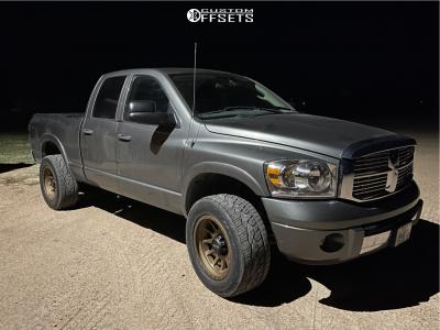 "2008 Dodge Ram 2500 - 20x10 -24mm - Method Mr605 - Level 2"" Drop Rear - 305/55R20"