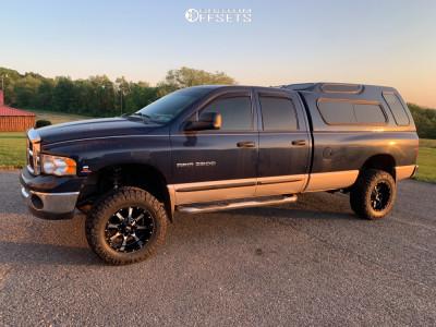 """2005 Dodge Ram 2500 - 18x12 -24mm - Moto Metal Mo970 - Leveling Kit - 33"""" x 12.5"""""""
