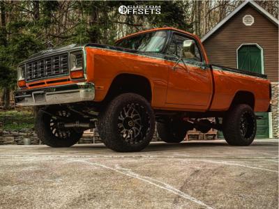 "1984 Dodge W150 - 20x12 -44mm - Tis 544MB - Suspension Lift 6"" - 33"" x 12.5"""
