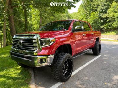 """2019 Toyota Tundra - 22x12 -44mm - Fuel Titan - Suspension Lift 6"""" - 35"""" x 12.5"""""""