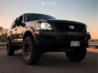"""2006 Ford Explorer - 17x9.5 0mm - Ion Alloy 171 - Suspension Lift 4"""" - 33"""" x 10.5"""""""