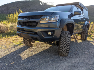 "2019 Chevrolet Colorado - 18x9 9mm - Level 8 Slam - Suspension Lift 6"" - 33"" x 12.5"""
