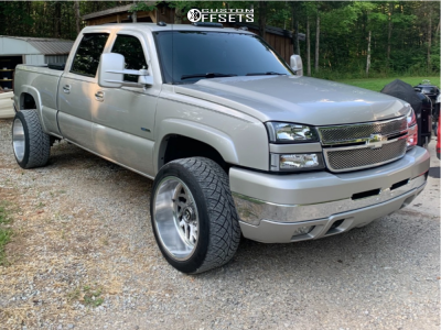 2007 Chevrolet Silverado 2500 HD Classic - 22x12 -51mm - Fuel Forged Ff51 - Stock Suspension - 305/45R22