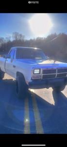 "1989 Dodge W250 - 20x12 -51mm - Vision Rocker - Stock Suspension - 33"" x 12.5"""